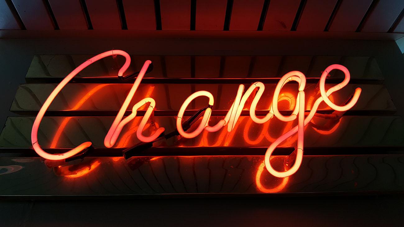 neonskylt-change-datadriven