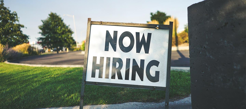 hiring-sign-target-top-candidates